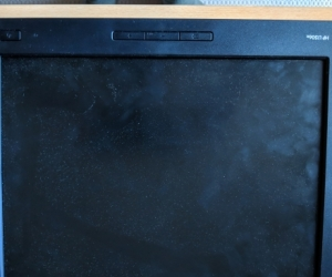 HP L1506x 15-inch Non-Touch Monitor without stand