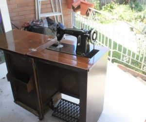 Treadle sewing machine - Victor Type 3A