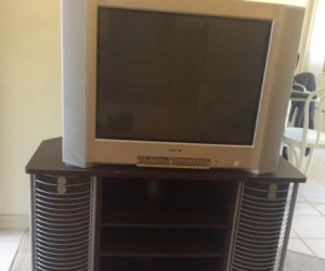 Sony CRT TV & Stand (inc set top box & all cables)