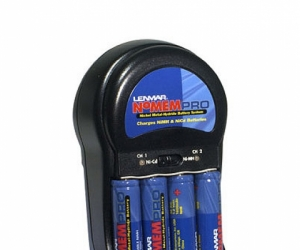 Lenmar  nicad/niMH charger