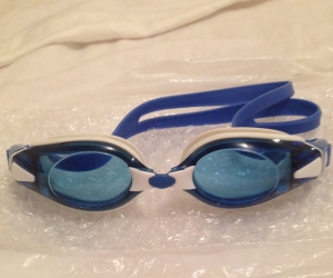Adult swimming goggles