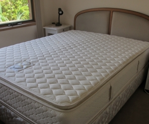 Q size mattress and base