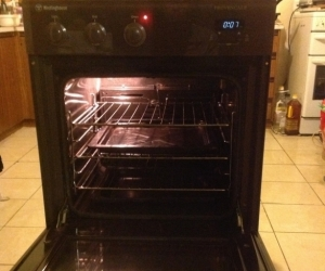 Westinghouse 60cm oven