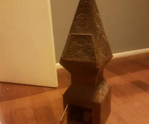Tea light pattern obelisk