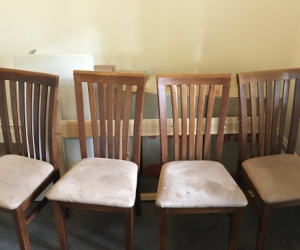 Matching dining room chair set