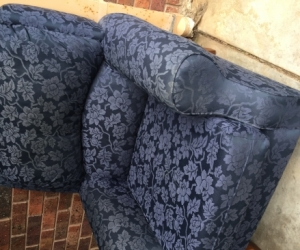 3 seater lounge and matching chair, Hoppers Crossing