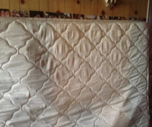 SEALEY QUEEN MATTRESS