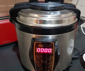 Pressure cooker - in working condition