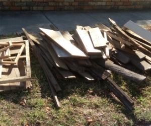 FREE Piles of wood (firewood, timber, kindling, chipboard etc.)