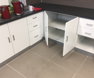 Free Kitchen cabinets and benchtop