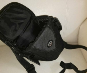 Black 3320 Aero Zoom 20 Bag from Tamrac