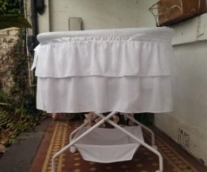 baby bassinet on wheels