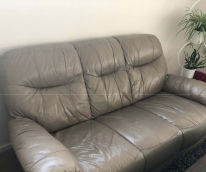 3 seats leather sofa