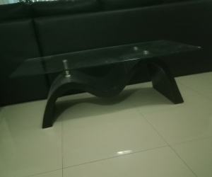 Large glass wave coffee table