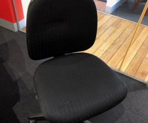 3x Black Office Chairs