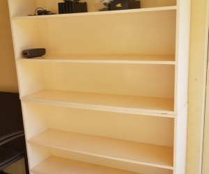Shelves / bookcase