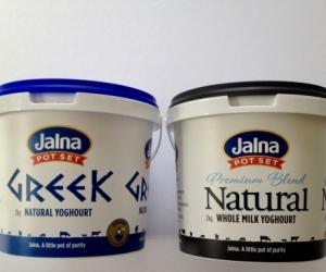 Yoghurt buckets with lids