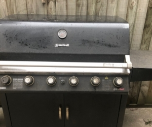 BBQ - free 6 burner barbeque