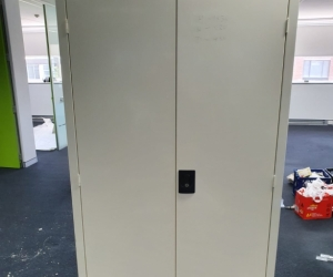TALL LOCKABLE FILING CABINET