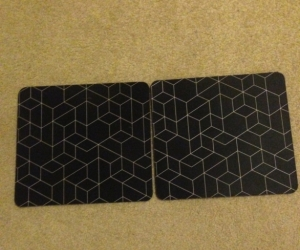 2 mouse pads