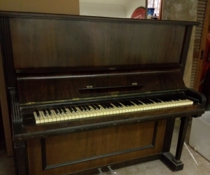 Antique piano Strad