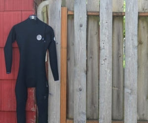 Wanted large size wet suit