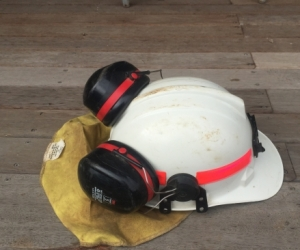 Firefighting safety helmet