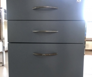 Office drawers in casters