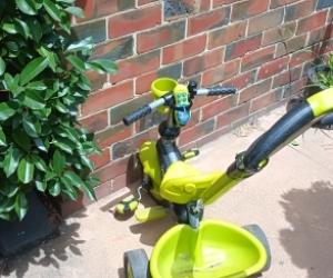 Kids push trike