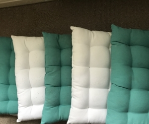 6 outdoor cushions