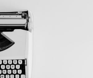 Manual typewriter -
