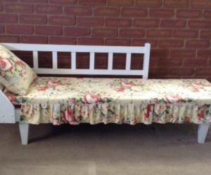 Timber Chaise lounge with mattress & pillow, painted white