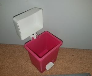 Tiny plastic pedal bin