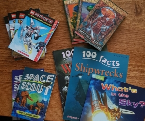 Kids books Lego ExoForce, Space Scout, 100 facts, Emily Rodda