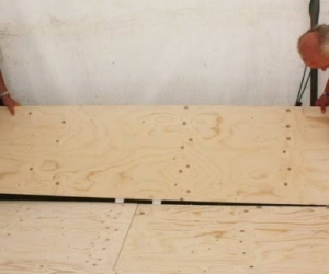 plywood flooring panel or similar sized hoarding/timber sheet