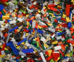 Lego pieces and people
