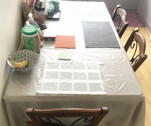Dinning table and 5 chairs in Elwood