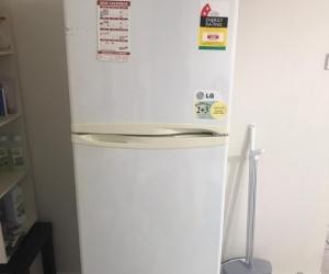 250L LG Double door Refrigerator
