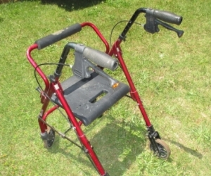 Rollator - Seat, Walker with Handbrakes