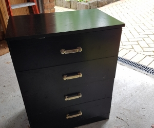 black bedside set of drawers - very nice condition