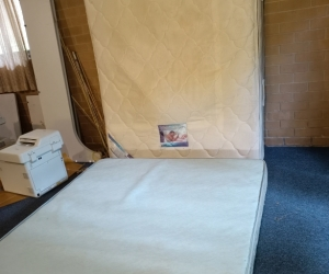 Queen bed base and mattress