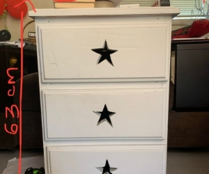White pine bedside table - 3 drawers