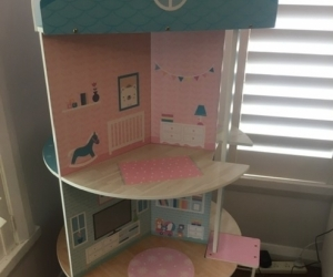 Dolls house - 3 storeys- fits Barbies- Ivanhoe 3079