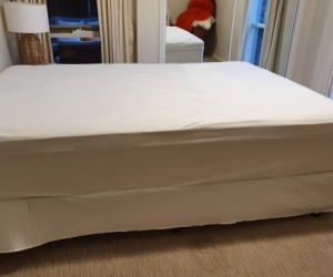 Queen size mattress and base