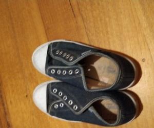 Girls Shoes Size 5/6 Au