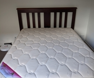 Queen size bed and mattress Bevmarks