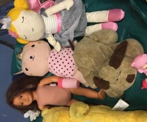 Teddies, dolls