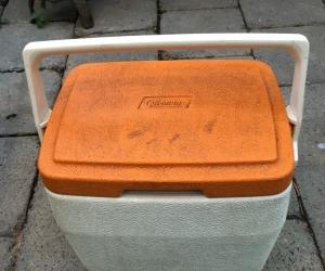 Mini ice box