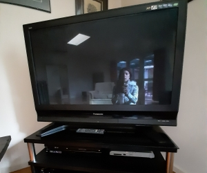 Panasonic TV 32 inches and TV vence